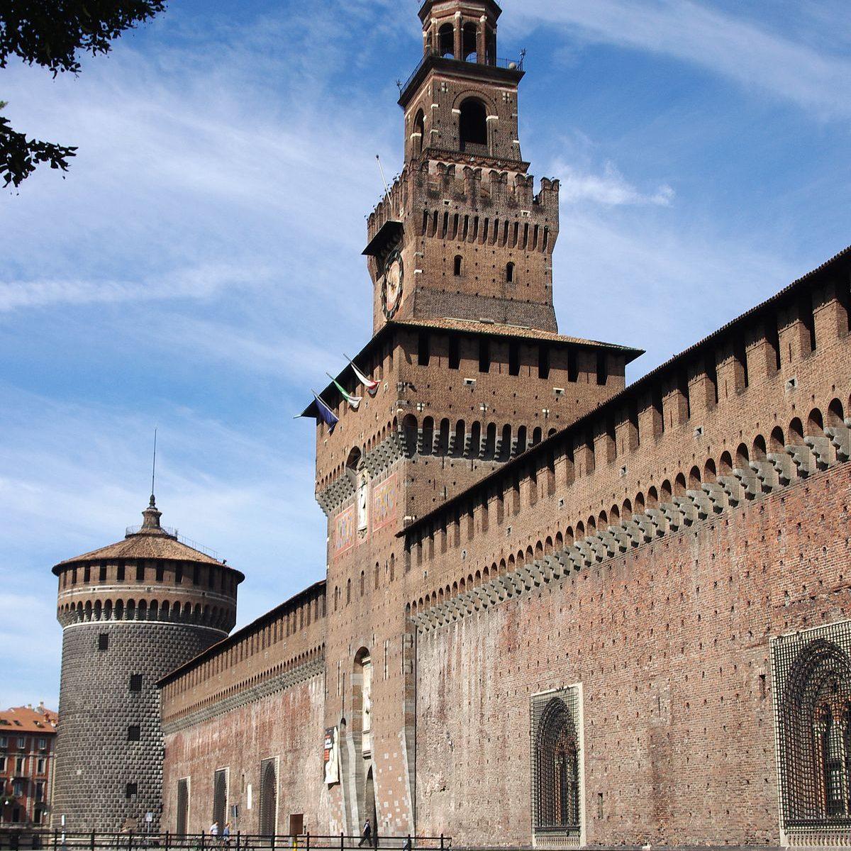 1200px-20110725_castello_sforzesco_milan_5557